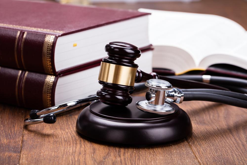 Как подать в суд на больницу или отдельного врача